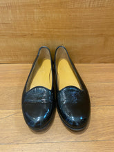 Load image into Gallery viewer, Gucci Loafers size 5.5