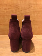 Load image into Gallery viewer, Chloé Lauren Suede Ankle Boots Size 5