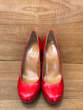 Load image into Gallery viewer, GUCCI Platform Pumps Size 6.5