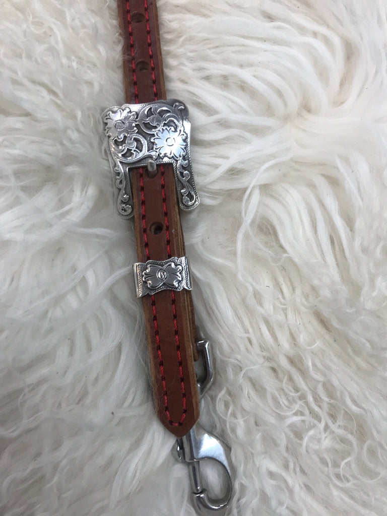 Wither strap medium with red 2 pc buckle