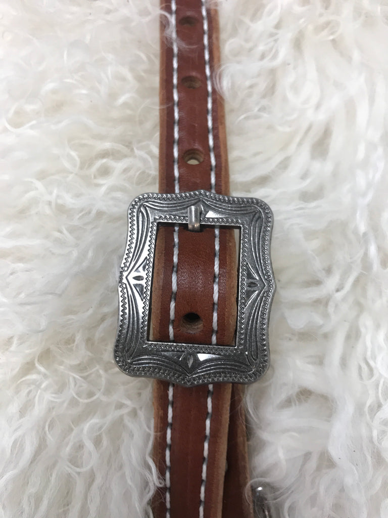 Wither strap medium with antique square cart buckle