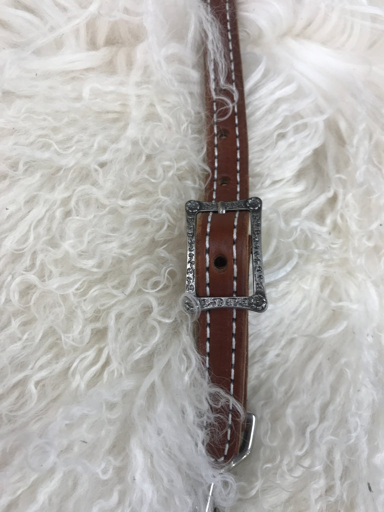 Wither strap medium with small flower buckle