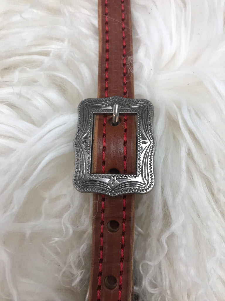 Wither strap medium with red antique square buckle