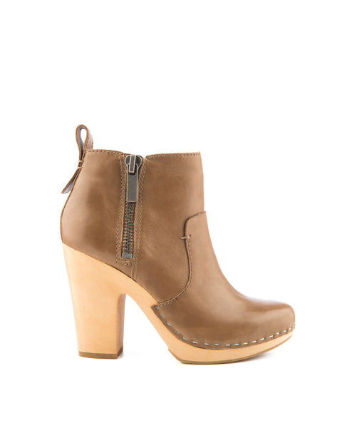Arlynn Leather Bootie Dolce Vita