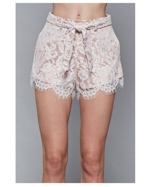 Y13530 Lace shorts with tie