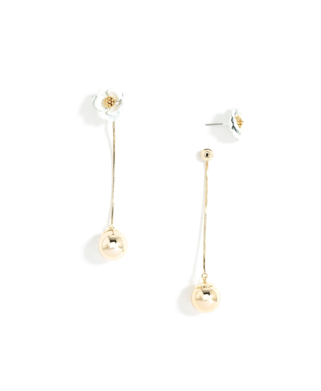 E1545 Wht Flower Stud Earring with chain & ball