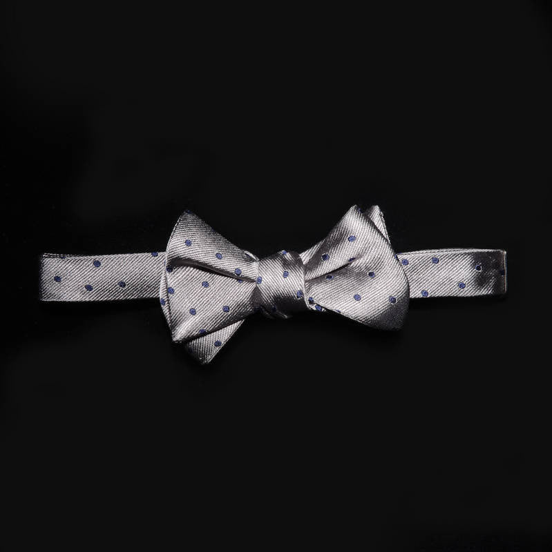 Bow tie - Silver with purple polka dots
