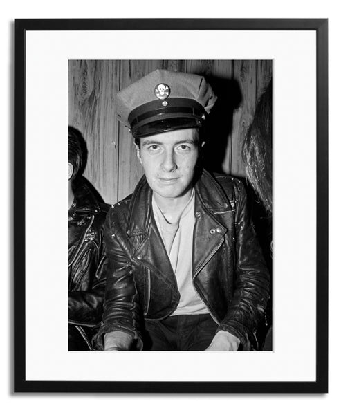 JOE STRUMMER OF THE CLASH BACKSTAGE 1979
