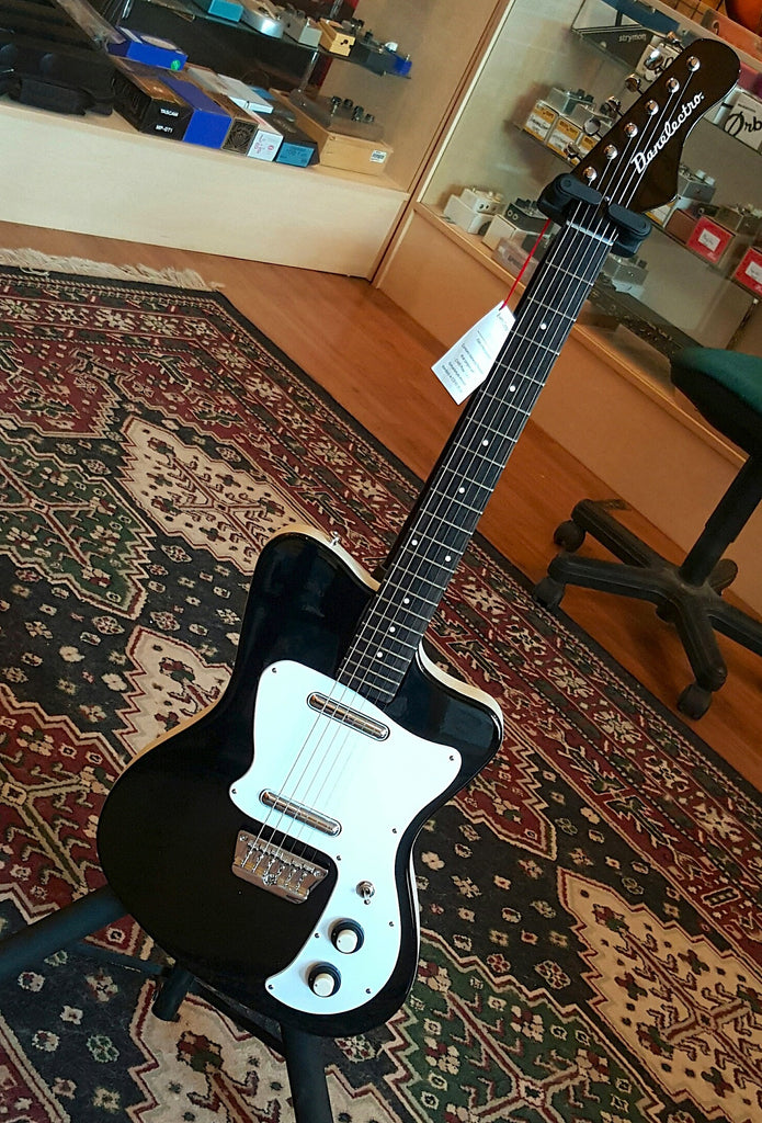 Danelectro D67 Heaven Hawk - Black