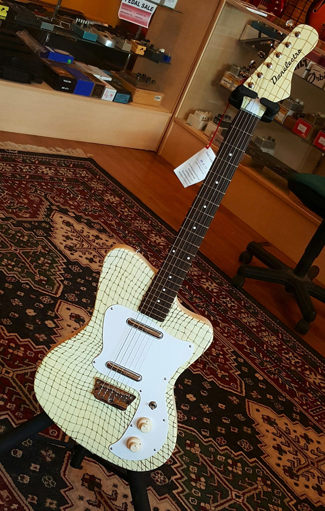Danelectro D67 Heaven Hawk - Alligator Creme
