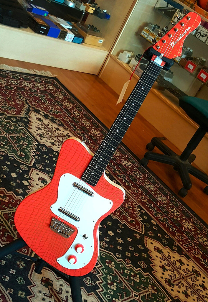 Danelectro D67 Heaven Hawk - Alligator Orange