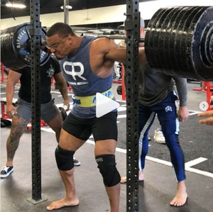 [VIDEO] Larry wheels squats 900lbs two weeks out from bodybuilding show