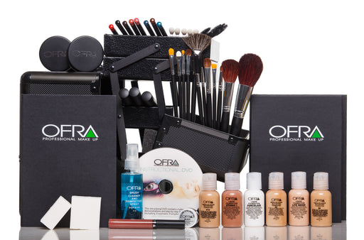 What Makes Great Cosmetology School Makeup Kits?