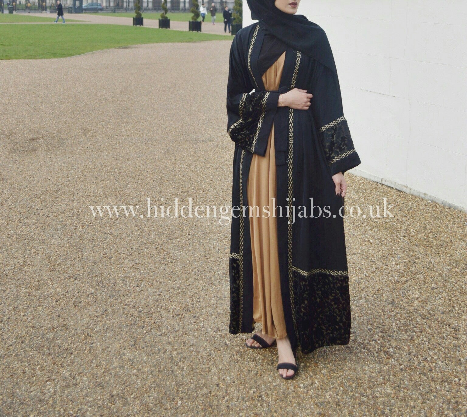 Velvet Flowers Open Abaya - Made to order