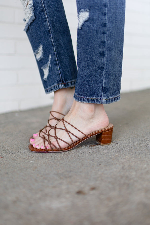 Chinese Laundry Lizza Sandal - Bark