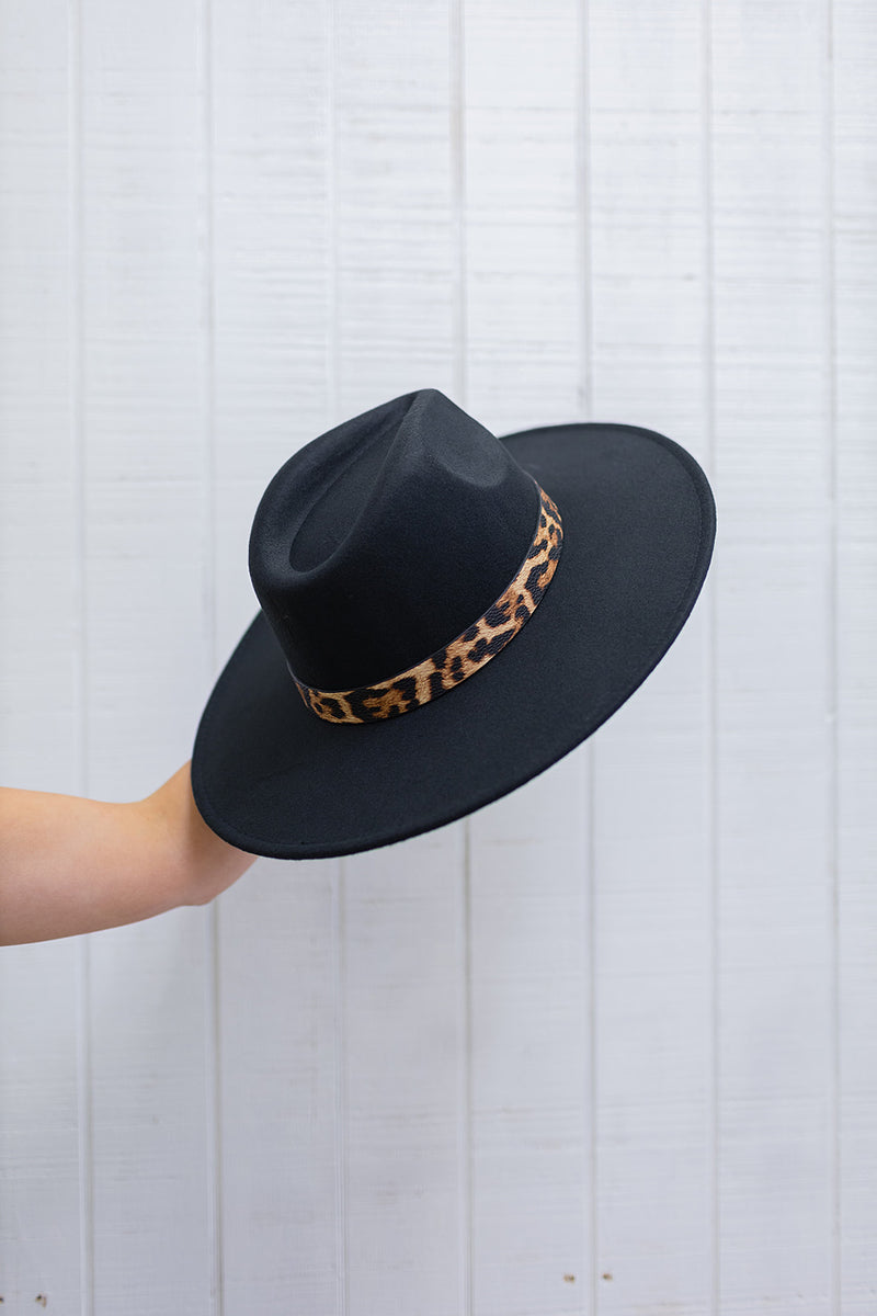 Leopard Trim Black Hat