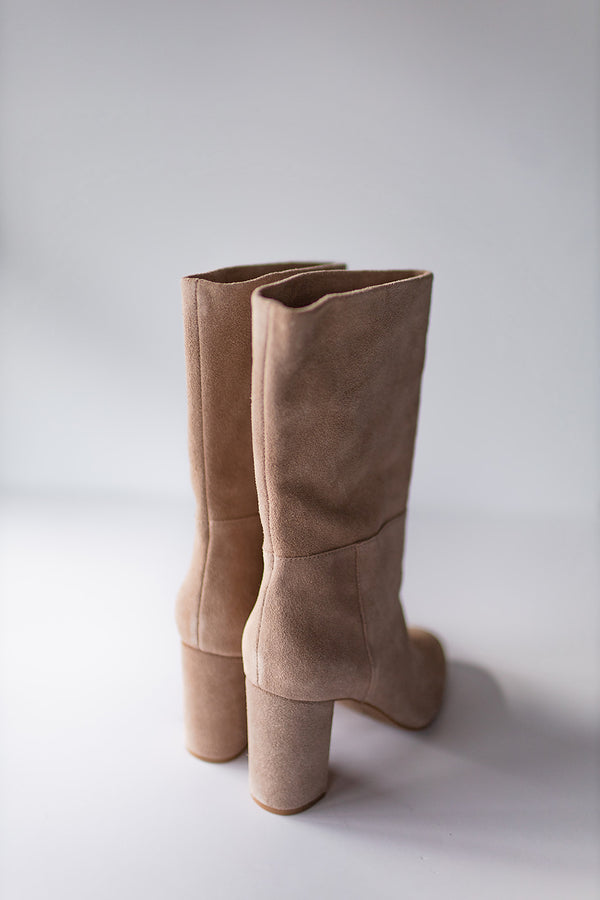 Chinese Laundry Keep Up Suede Boot-Taupe