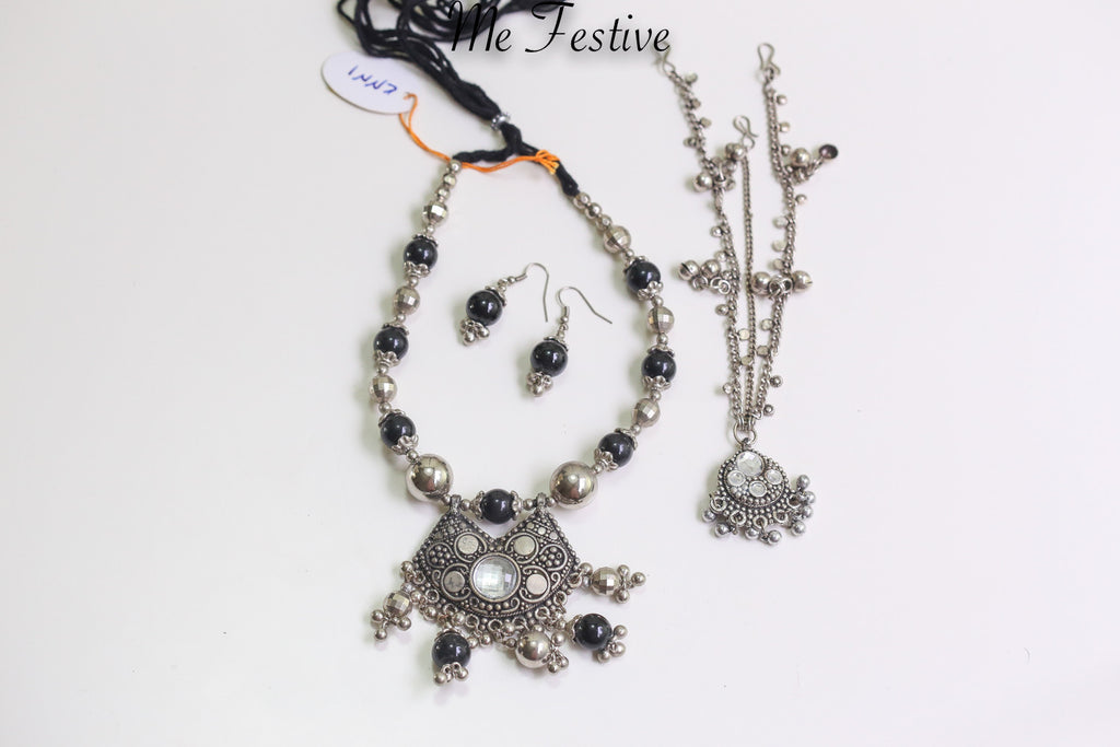 Oxidized Medium Necklace, Earrings, and Mang Tikka