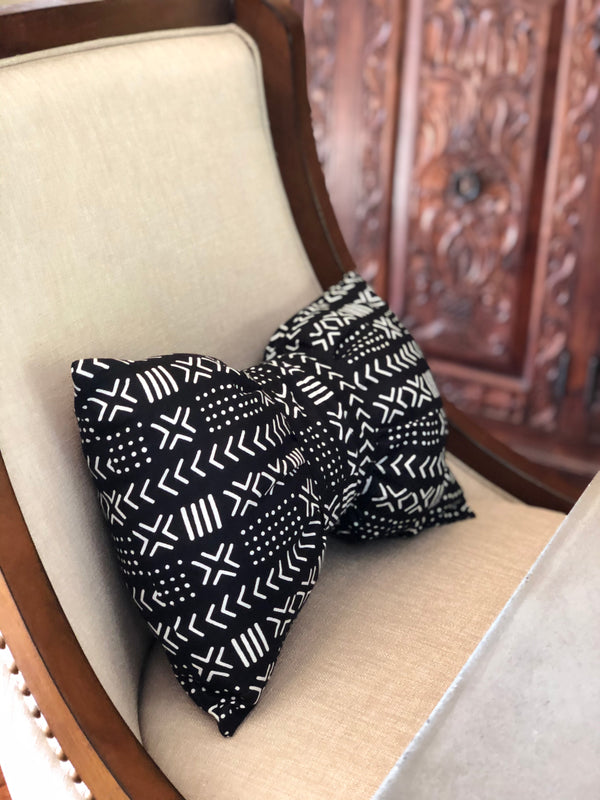 Tremayne Bow Tie Lumbar Pillow - SONSON®