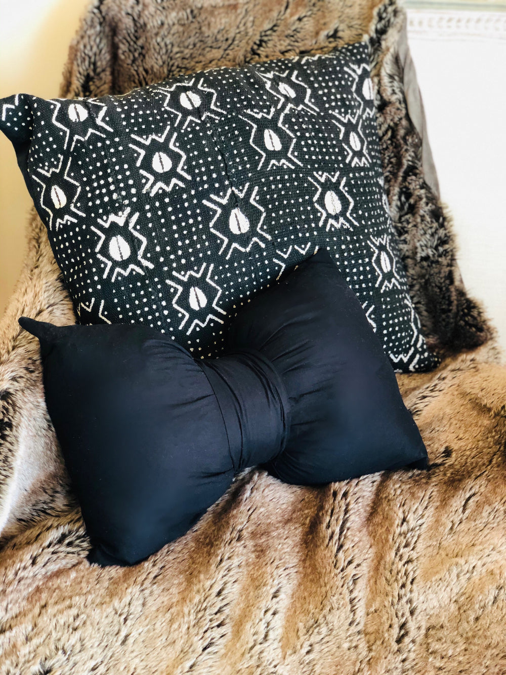 Authentic African Cowrie Print Mudcloth Pillow Cover - SONSON