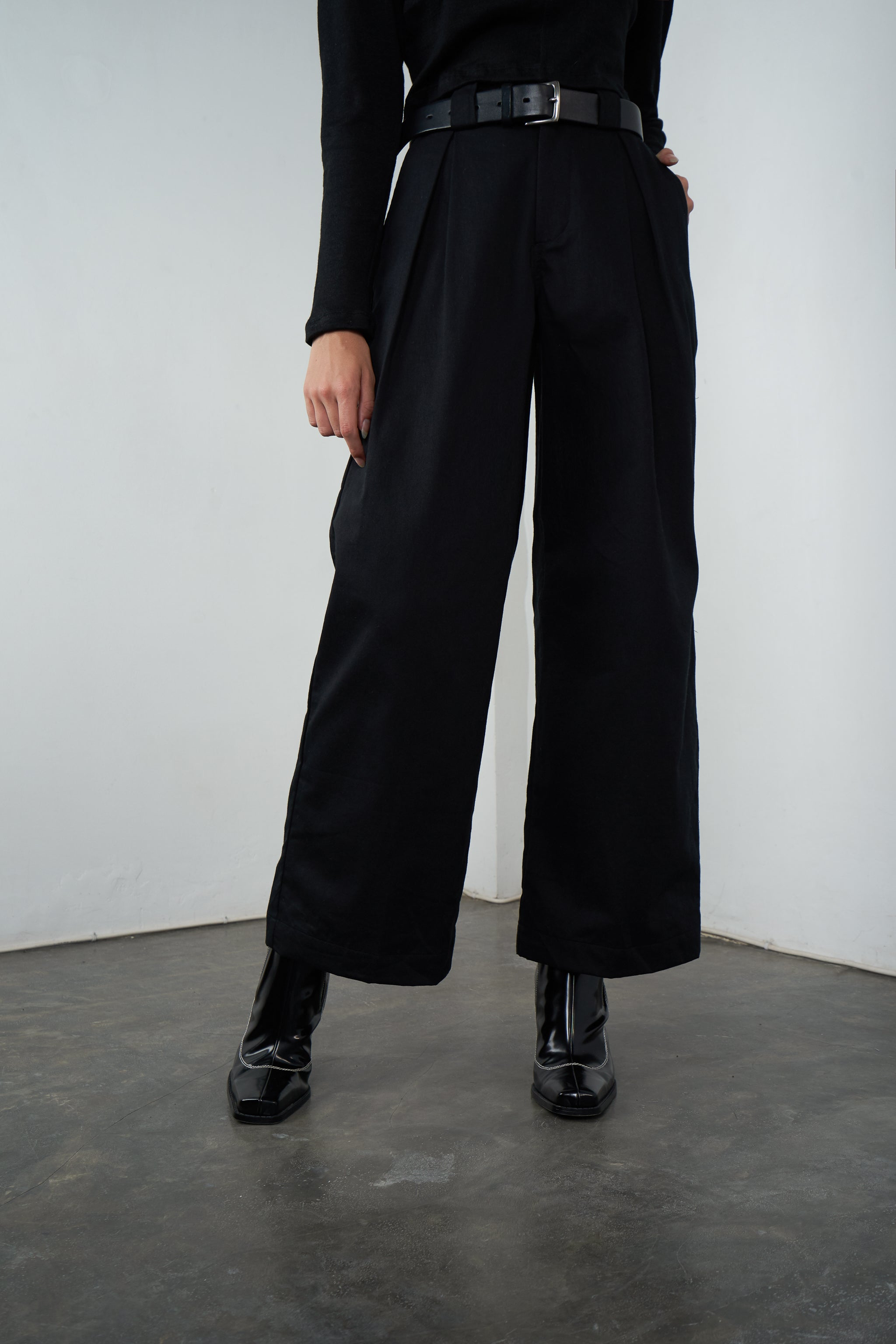 Stockholm Wide Leg Pants in Licorice