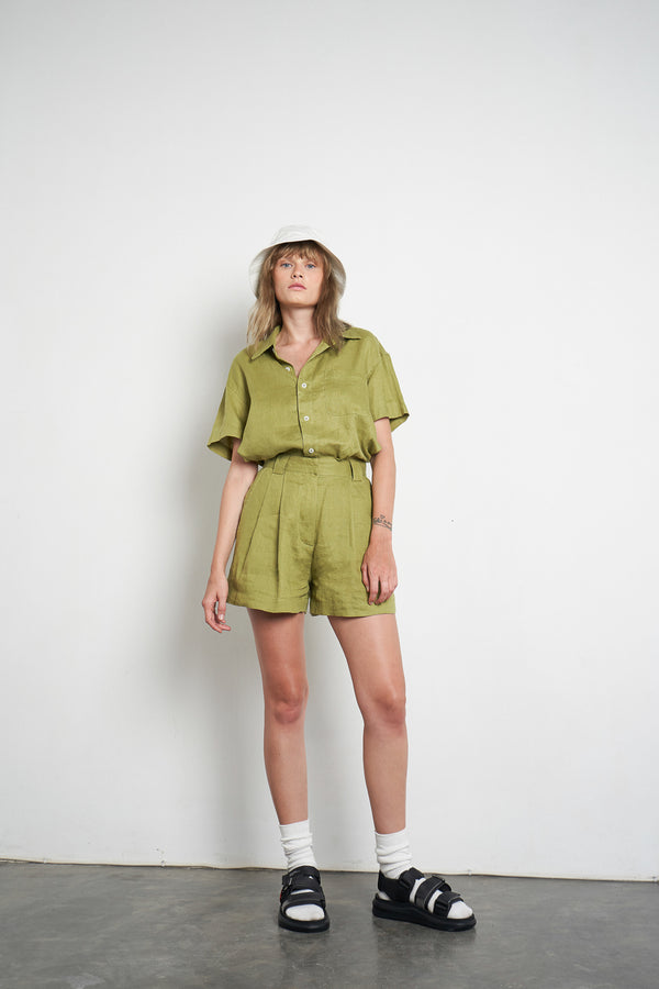 Linen Zana Short in Apple