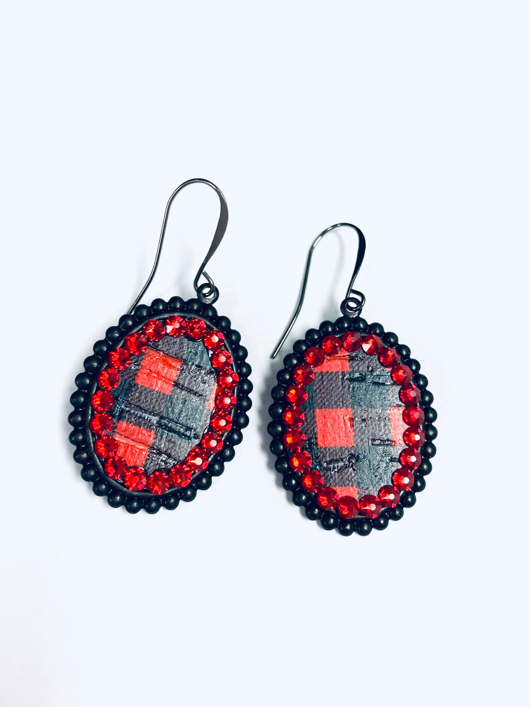 Red Crystals on Black Buffalo Plaid Mini Ovals- e410blrbp-The Twisted Chandelier--The Twisted Chandelier
