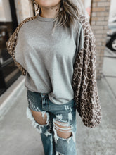 Load image into Gallery viewer, Andy Leopard Bubble Sleeve Top-TOPS-CY Fashion-NewArrival, NOV2020, November 2020, November2020, Top-The Twisted Chandelier