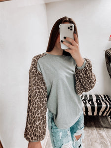 Andy Leopard Bubble Sleeve Top-TOPS-CY Fashion-NewArrival, NOV2020, November 2020, November2020, Top-The Twisted Chandelier