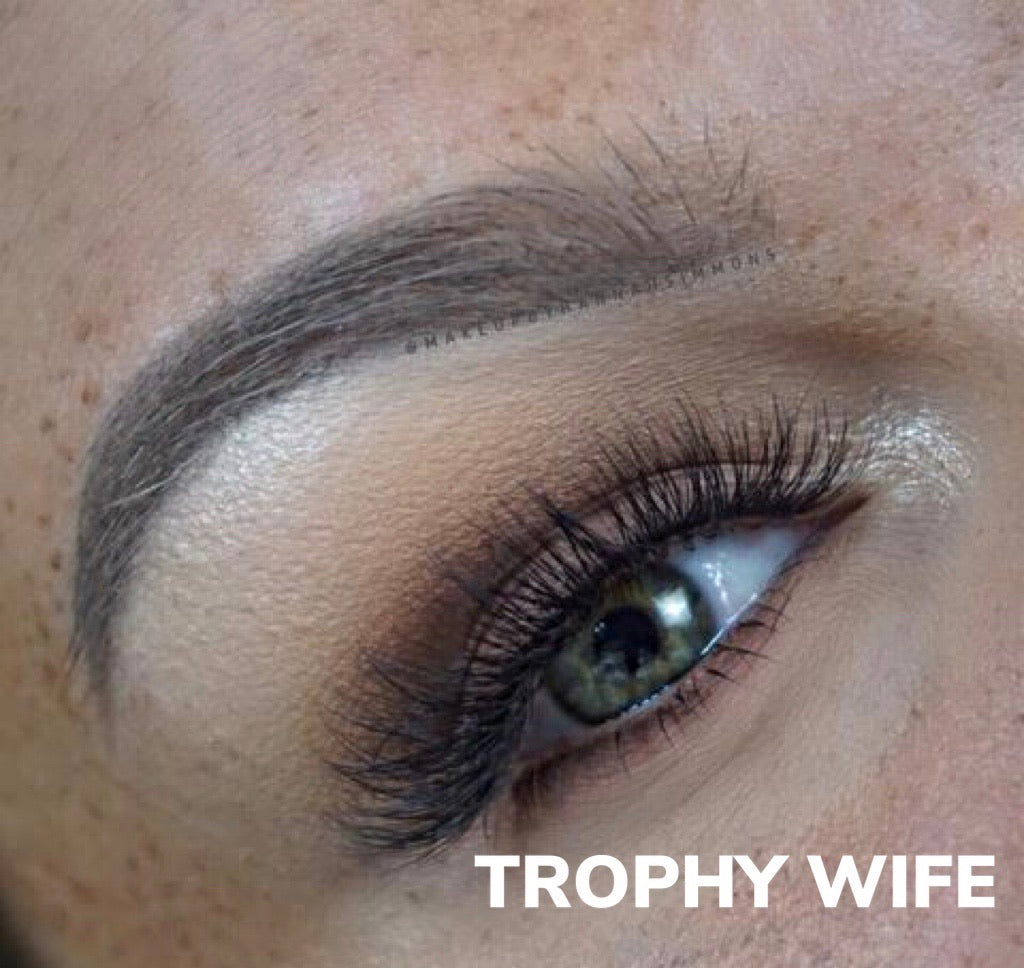 Reign Lashes | Trophy Wife | Glue on 3D Luxury Mink Lashes-Reign Lashes-Reign-Lashes-The Twisted Chandelier
