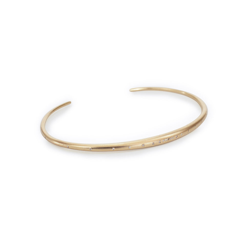 thin arpent cuff with diamonds