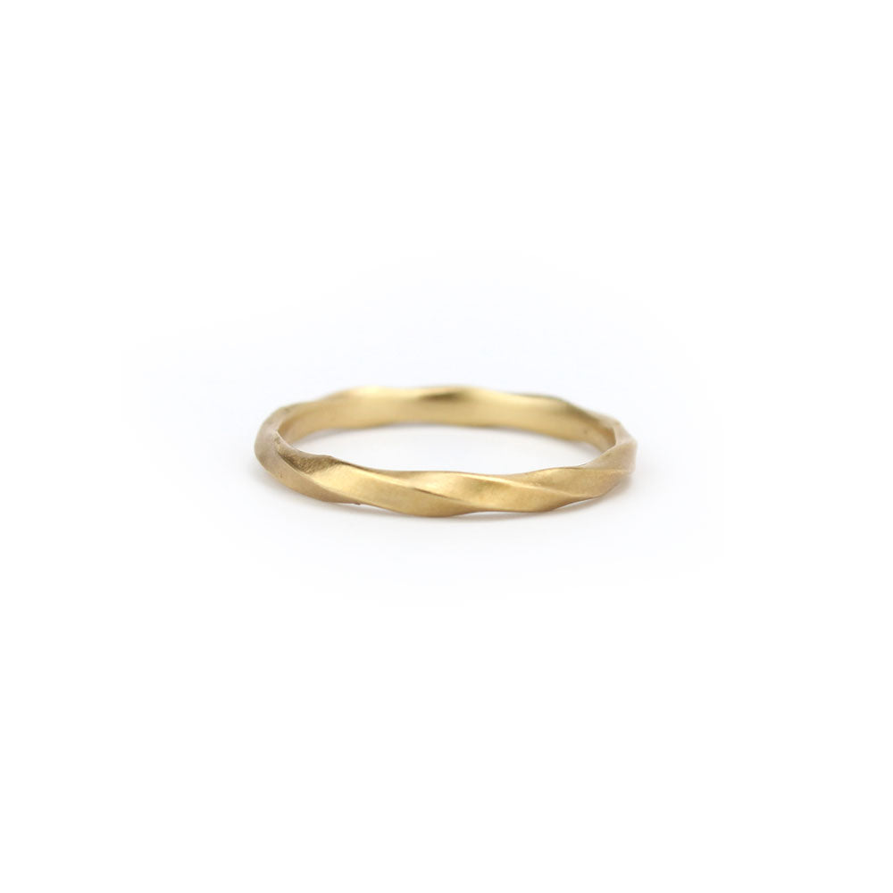 6.5 / 14k yellow gold full twist ring, carla caruso