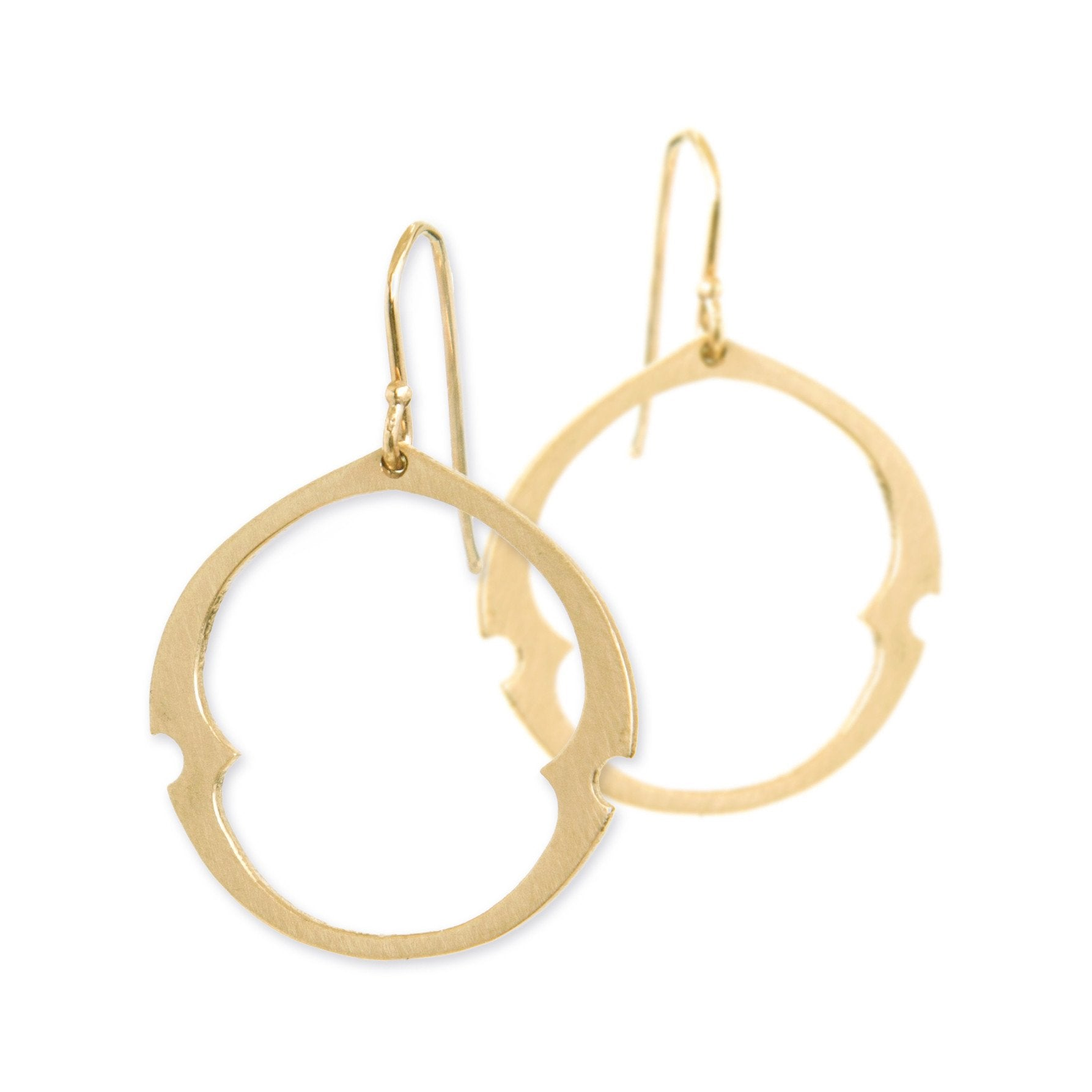 large / 14k yellow gold arabesque oculus earrings
