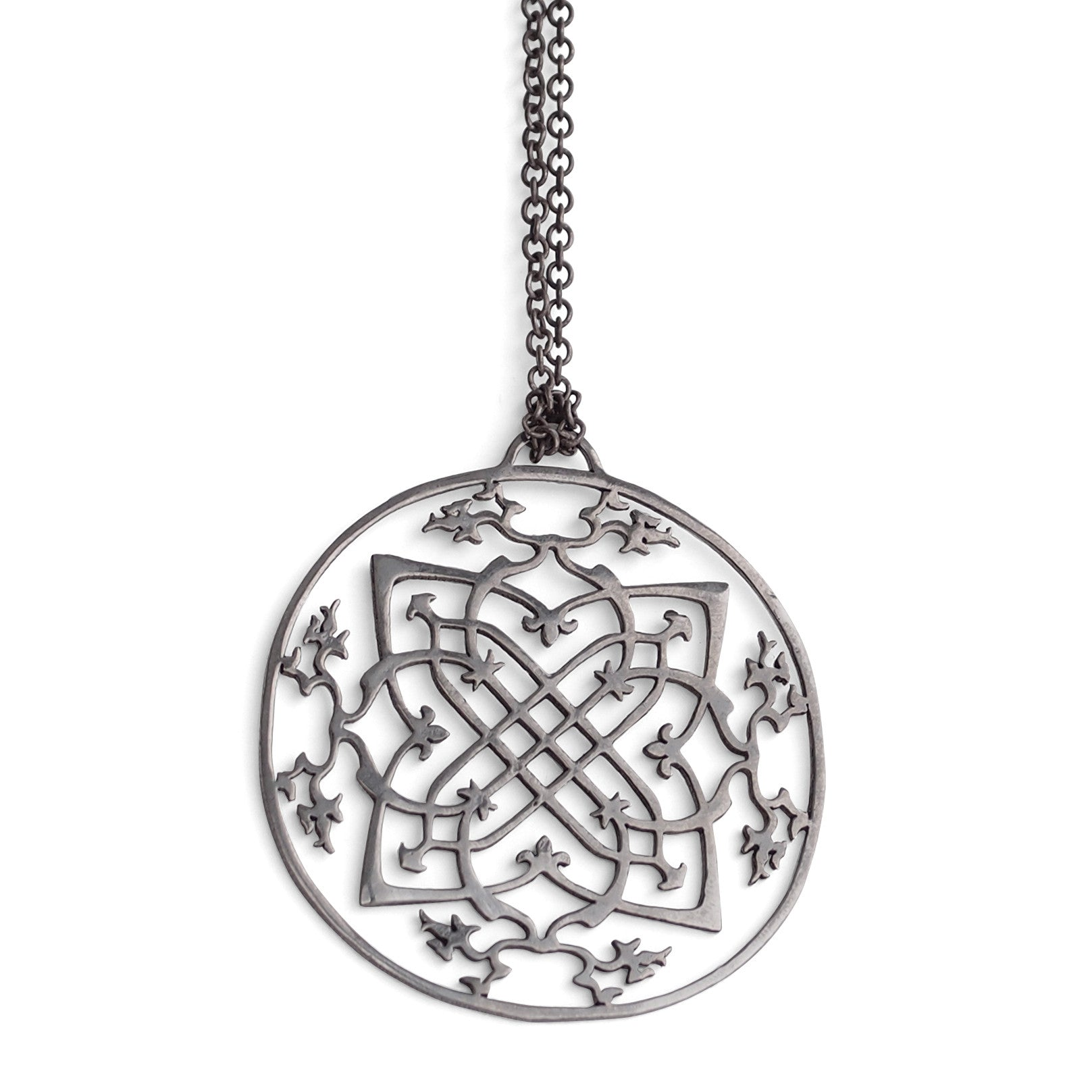 arabesque medallion