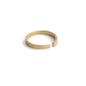 14k yellow gold tapered stake band