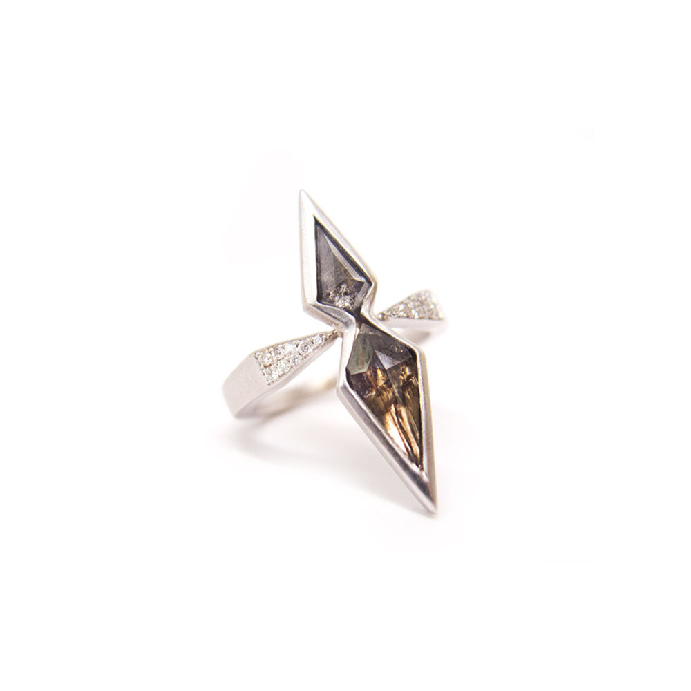 18k white gold with diamonds mirrored kite diamond ring