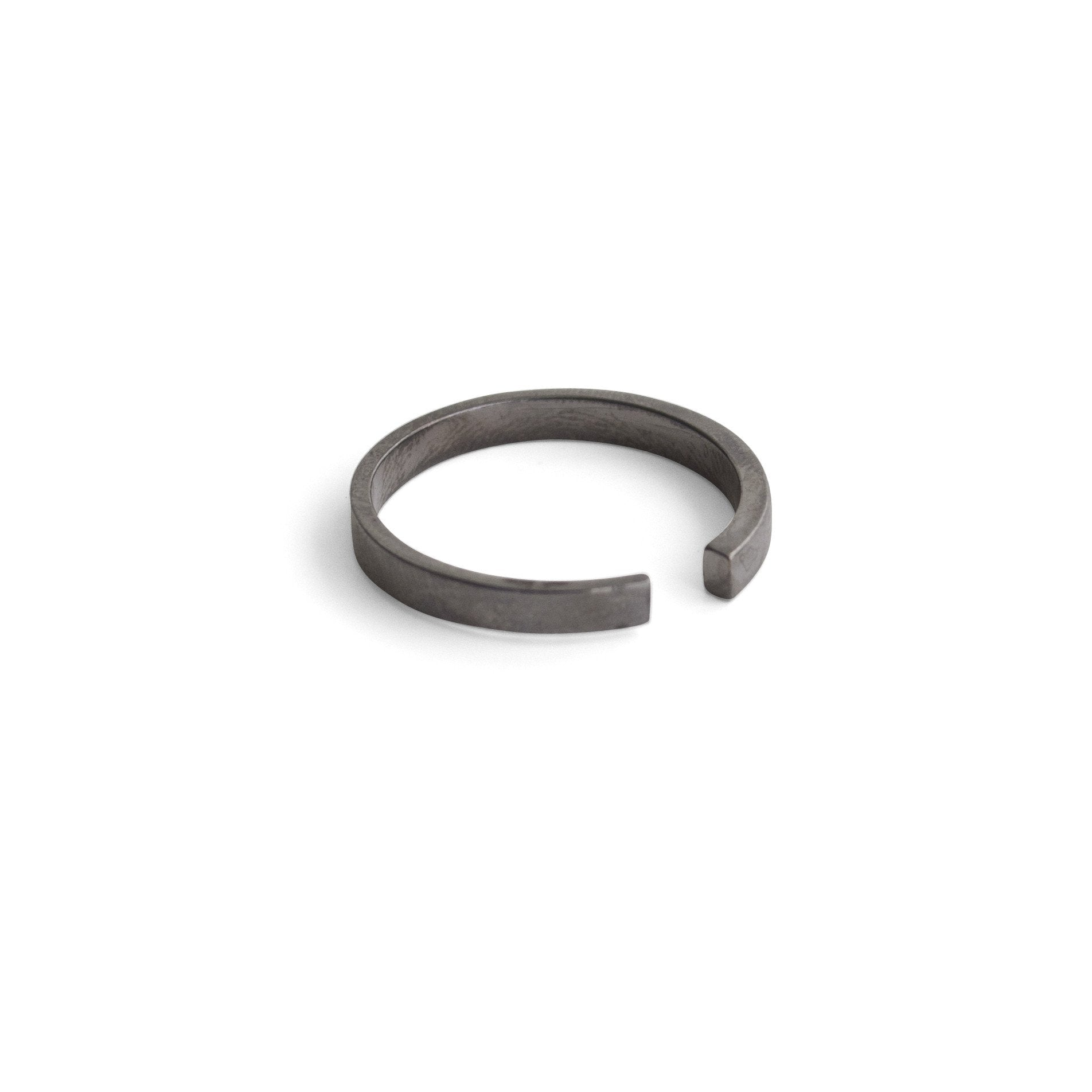 sterling silver plated in black rhodium tapered stake band