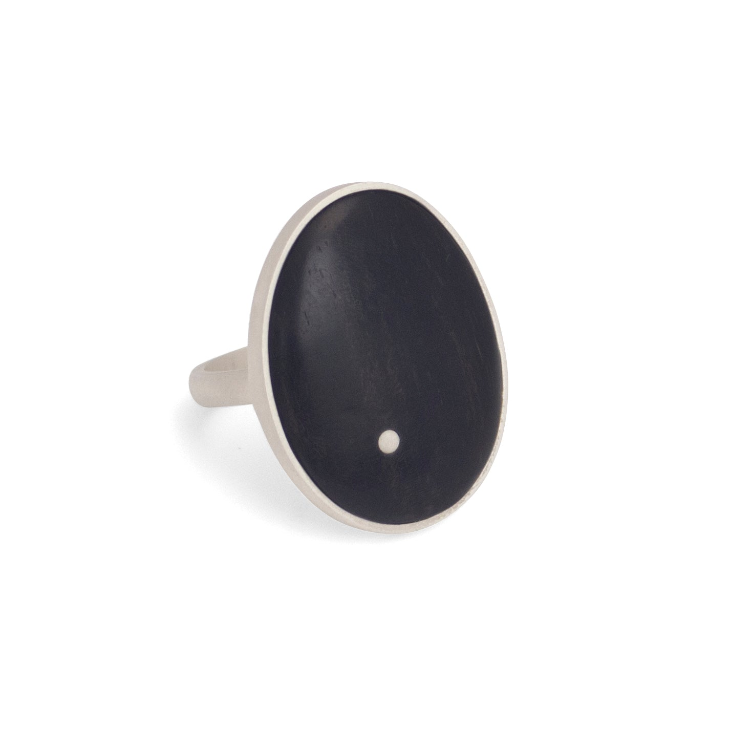 ebony/sterling silver / 7 oval wood inlay ring