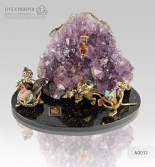 Bronze Dwarf with Miners mouse Figures at Amethyst mine on dolerite plate  Бронзовые Гном с шахтерами Мышами в шахте из Аметиста на пластине из долерита