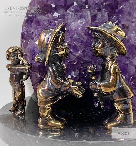 Wedding gift  Bronze cupid and sweethearts with agate geode amethyst A0201