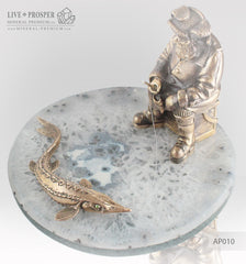 Gift for fisherman  Bronze figures of fisherman and sturgeon with demantoid inserts on agate and marvel plates Agate with bronze Подарок рыбаку Бронзовые рыбак и осётр со вставками из демантоидов на агатовой и мраморной пластинах агат с бронзой кабинетная скульптура
