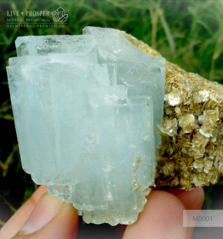 Sky Blue aquamarine 625 CT with Muscovite