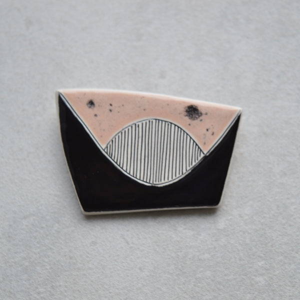 Ceramic brooch - Dusky peach