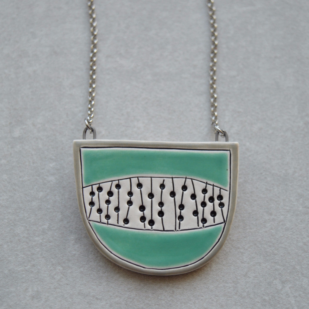 Halfcircle necklace - Dots