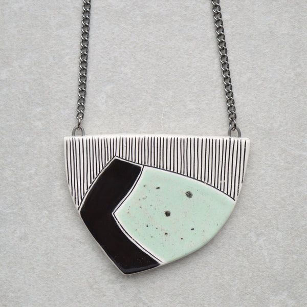 Long pendant necklace - Mint green