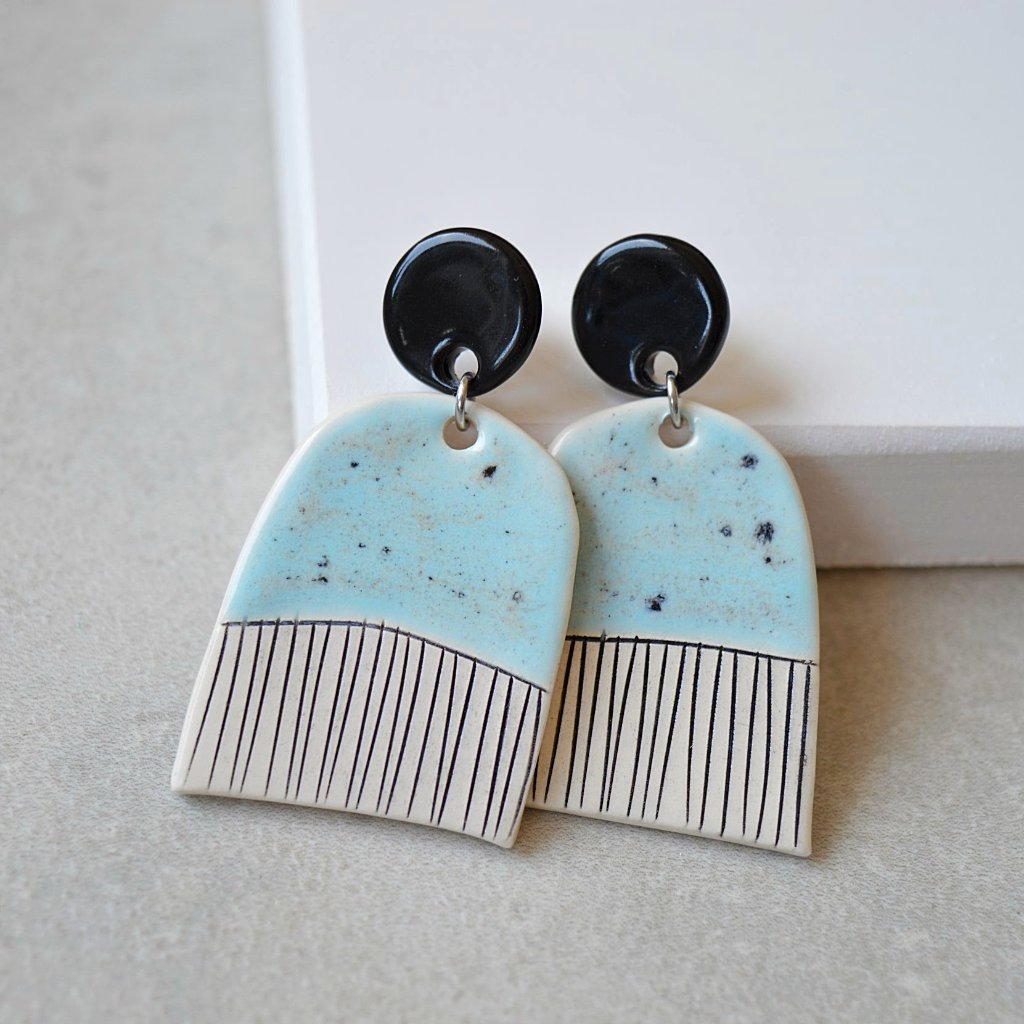 Stud Dangle earrings - Pastel blue