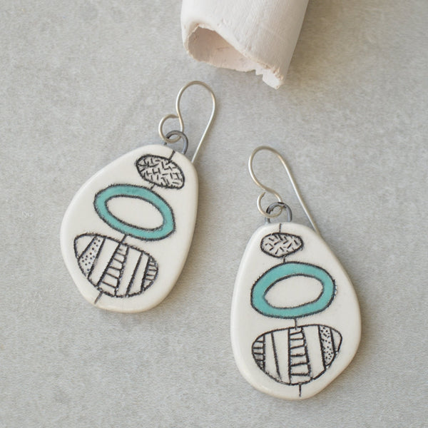 Turquoise detail earrings