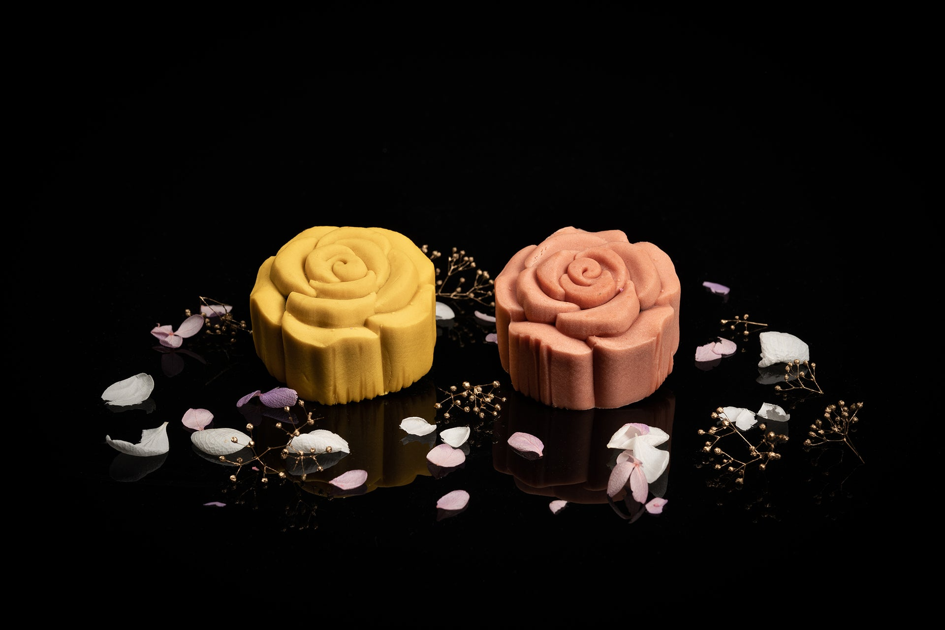 LESEAN ®️ x LE PETIT PRINCE®️ Preserved Flower Mooncake Box Set (12 pcs special Edition) - Saffron Yellow