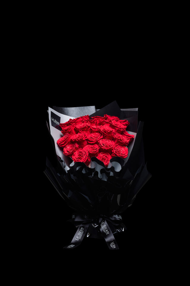 Le Sean Diamond Preserved Bouquet - Bright Red
