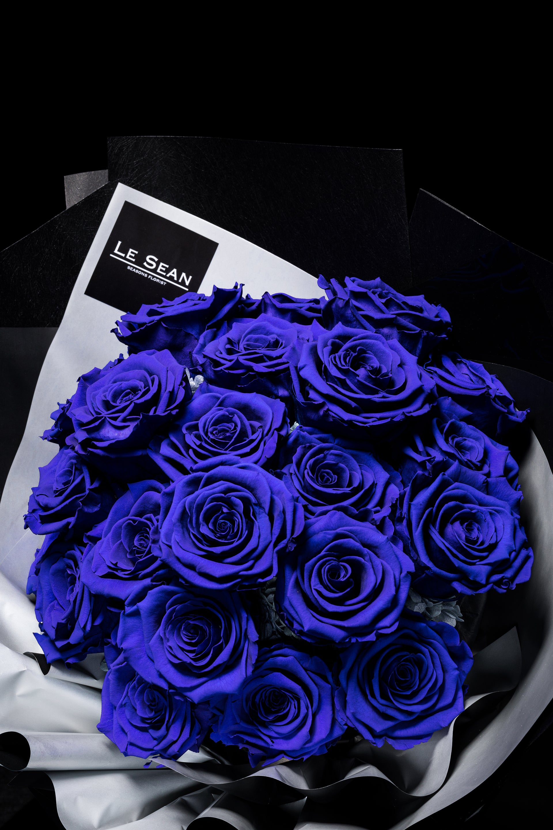 LE SEAN PRESERVED BOUQUET - DARK BLUE